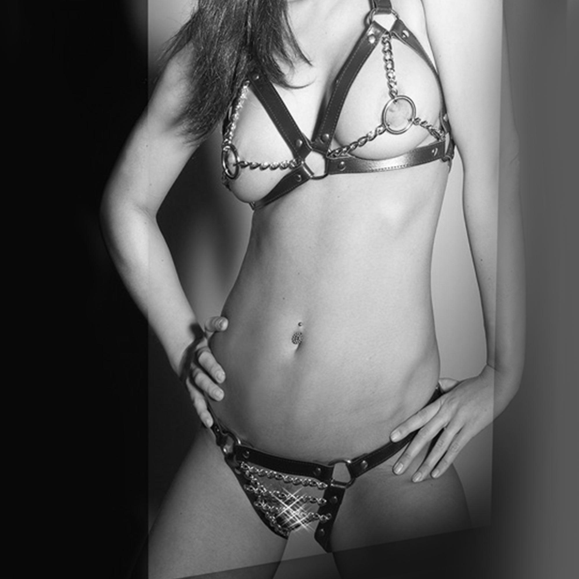 Läder bikini med kedja s-l